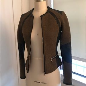 Fitted asymmetrical jacket
